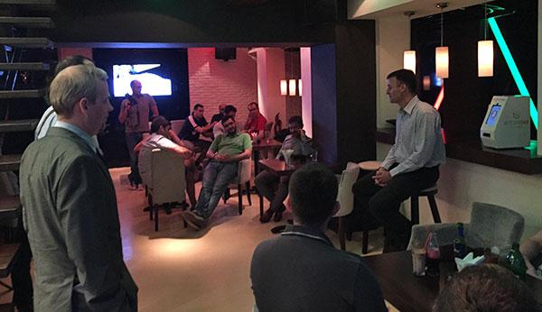 Ljubitelji bitcoina u Srbiji, okupili su se u Appetiteu kako bi zajedno pustili u rad prvi bitcoin ATM.