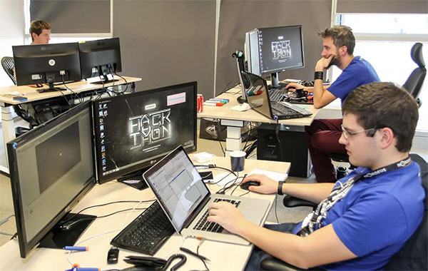 Prošlogodišnji Hackathon okupio je 12 timova iz čitavog regiona, dok je pobedničku igru kreirao tim 'In Vino Veritas' iz BiH.
