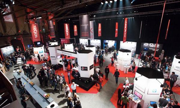 """U """"expo"""" delu, veliki broj startapa izlagao je svoje proizvode, tražeći potencijalna partnerstva ali i nove klijente (Foto: TNW)"""
